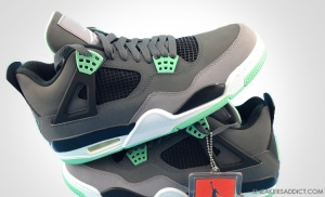 Air-Jordan-GREEN-GLOW-530